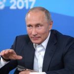 Владимир Путин предложил подумать о платной медицине