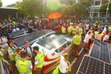 Австралийские гонки на «солнечных автомобилях» в фотографиях