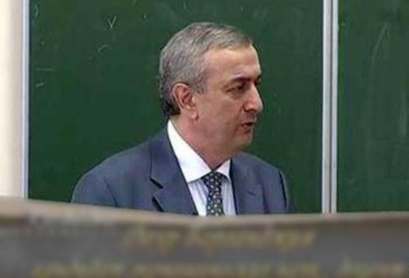 «Меня оклеветали»: экс-глава Нацбанка Абхазии готов вернуть деньги Этушу