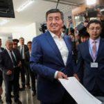 На выборах главы Киргизии лидирует кандидат от правящей партии Жээнбеков