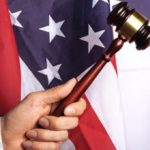 Американца приговорили к 15 годам тюрьмы за кражу доллара и растения