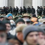 Участники акции у Верховной рады начали блокаду бизнеса Порошенко