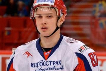 Шипачев дебютировал в НХЛ, забросил шайбу и помог «Вегасу» выиграть