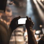 Смартфоны вызывают у подростков сходящееся косоглазие