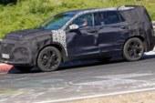 Спорт-версию нового Hyundai Santa Fe подловили на тестах