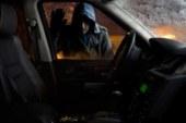 За одну ночь омич успел ограбить магазин, обчистить своего начальника и разбить его машину