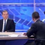 Медведев о фильме Навального: попытка раскрутить себя