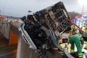 Британский супермен: полицейский голыми руками держал грузовик над пропастью