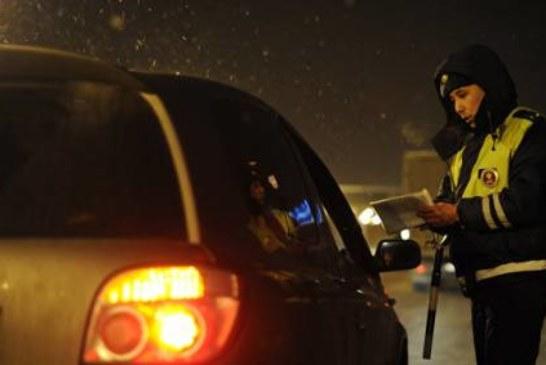Водителей обязали надевать светящиеся жилеты при остановке за городом