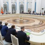 Путин пообещал бизнесу продолжить дискуссию по налоговой конструкции