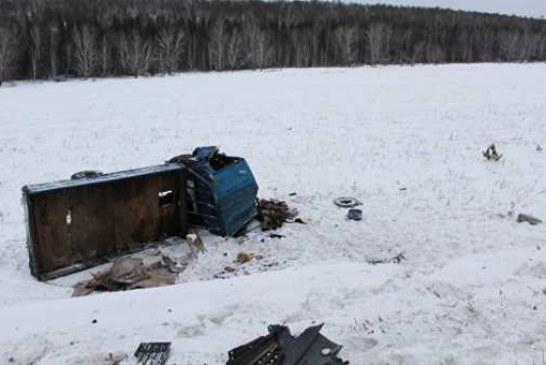 В Иркутской области в ДТП с легковушкой и грузовиком погибли два человека