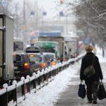 Москвичей просят отказаться от поездок на личном автомобиле