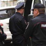 На фабрике в Москве, где захватили заложников, приставы не работали
