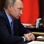 Путин призвал создать барьер внешнему вмешательству в общественную жизнь