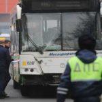 Очевидец рассказал о ДТП с автобусом, протаранившим остановку в Москве