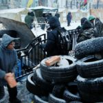 Полицейские пытались найти Саакашвили в палаточном лагере в центре Киева