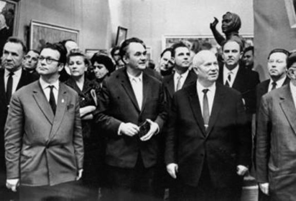 До и после разгрома: как Хрущев оскорблял художников на выставке в Манеже