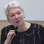 Васильева призвала больше заниматься воспитанием детей