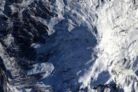 На Эльбрусе возобновили поиски пропавших белорусских альпинистов