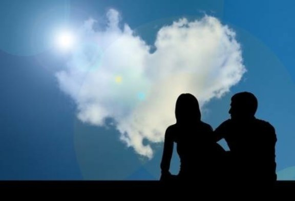 Ученые выяснили, как предки человека стали однолюбами