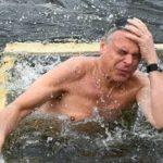 Пушков прокомментировал купание Хантсмана в проруби