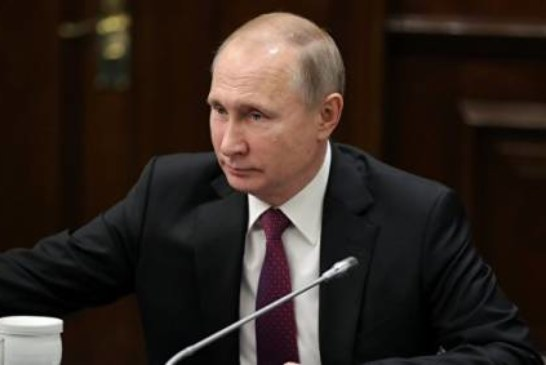 Путин присвоил ряду дипломатов ранг чрезвычайного и полномочного посла