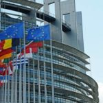 ЕС продлит санкции в отношении граждан России и Украины, сообщил источник