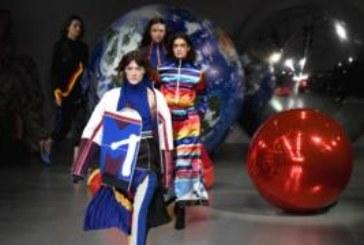 Неделя моды в Лондоне: последнее шоу директора Burberry