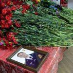 Путин 23 февраля передаст звезду Героя РФ родным погибшего в Сирии летчика