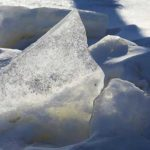 Мужчина неделю жил во вмерзшем в лед грузовике в Хабаровском крае