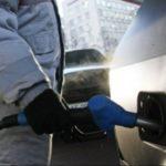 Заправки продолжили взвинчивать цены на бензины и дизель