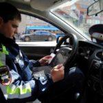 Водитель украл у гаишников камеру и удалил записи нарушений