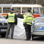 Водитель в Чехии сбил трех пешеходов, один из них умер