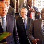 Лавров сообщил, что передал президенту Зимбабве послание Путина