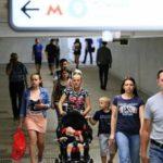 Кузнецова прокомментировала инициативу Минтранса о запрете колясок в метро