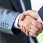 Раскрыта связь силы рукопожатия с успехом у женщин