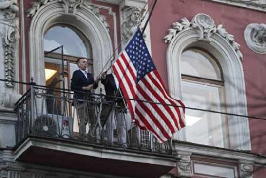 ВЦИОМ: почти 90% россиян назвали адекватным ответ на высылку дипломатов