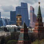 Синоптики пообещали грозу и почти июньскую жару в Москве в понедельник