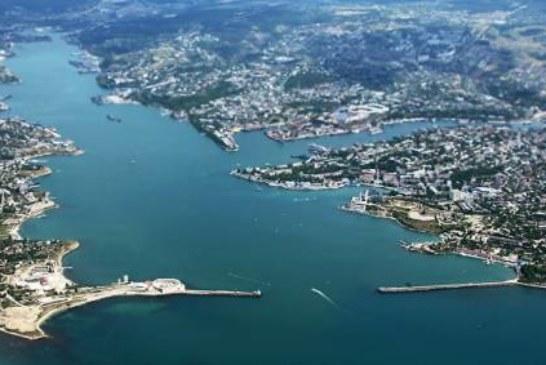 Украинские моряки пригрозили Порошенко возвращением в Крым за жильем