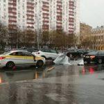 Девочка погибла во время урагана в Москве