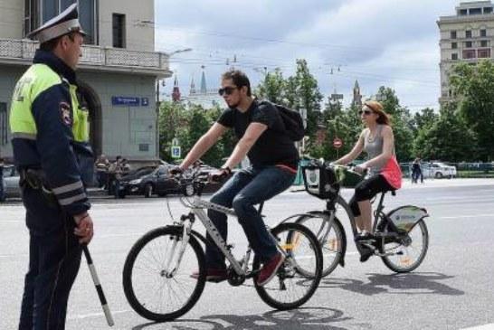 Виталий Милонов предлагает поставить велосипедистов на учет