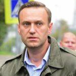 Навальный заявил об освобождении из полиции