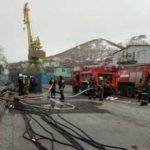 В Петропавловске-Камчатском потушили пожар на судне у пирса