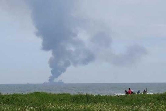 Нефтяной танкер загорелся в водах Южной Кореи
