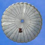 В Татарстане разбились два опытных парашютиста