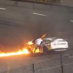 Отец гонщика NASCAR спас сына из горящего болида быстрее пожарных