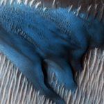 NASA показало голубые дюны на Марсе