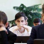 Численность школьников в России снизилась за 17 лет на 21%