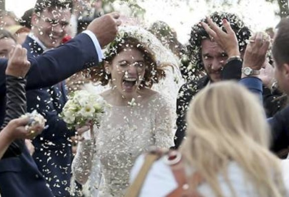 Звезды «Игры престолов» сыграли свадьбу