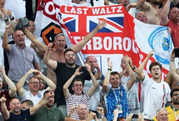 Приключения английских фанатов в России: Чуть живьем не сожрали